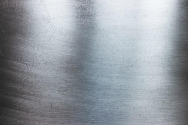Metalen plaat met reflecties