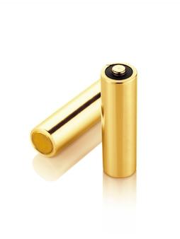 Metallic goud alkaline batterijen aa-formaat geïsoleerd