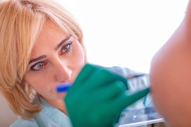 Meting van de borstomvang voor de selectie van het implantaat
