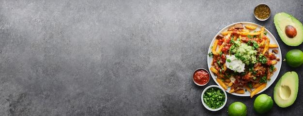 Mexicaanse carne asada friet met panoramische kopie ruimtesamenstelling