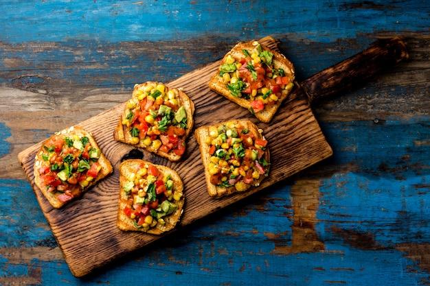 Mexicaanse latijns-amerikaanse open broodjes.