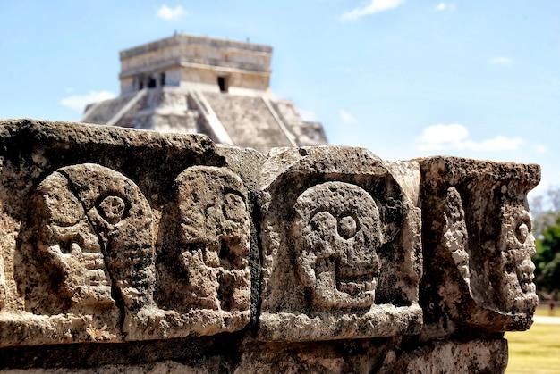 Mexicaanse scènes in chichen itza