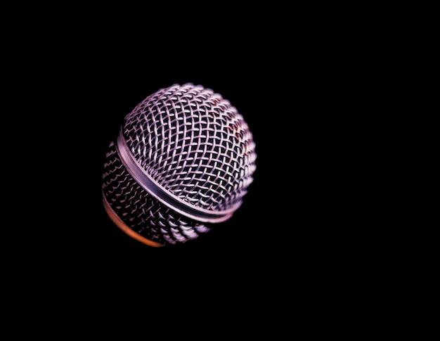 Microfoon op een zwarte