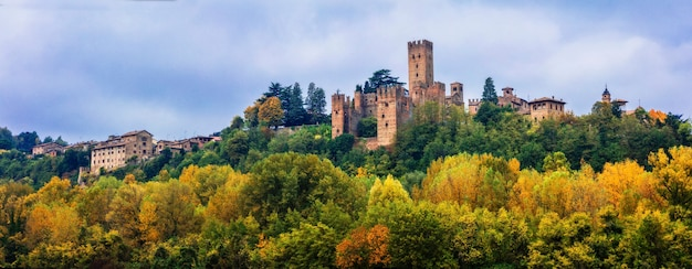 Middeleeuwse steden en kastelen van italië - castell'arquato in emilia-romagna