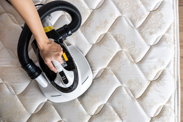 Mijtstofzuiger reiniging bedmatras stofverwijderaar