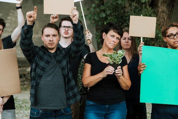 Milieuactivisten protesteren voor het milieu