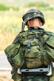 Militair klaar voor oorlogsgevecht