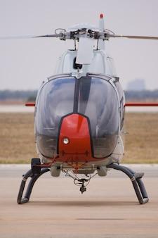 Militaire helikopter van opleiding