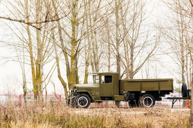 Militaire vrachtwagen van de tweede wereldoorlog