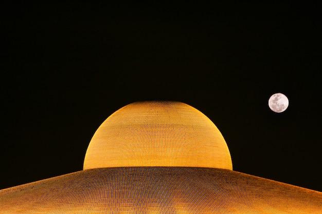 Miljoen gouden boeddha beeldje