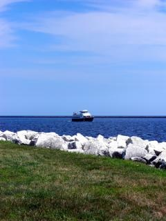 Milwaukee harborfront, boot
