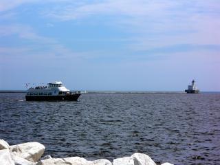 Milwaukee harborfront, water