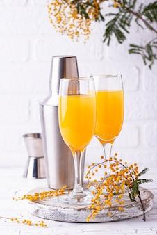 Mimosacocktail met jus d'orange