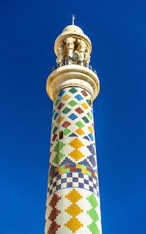 Minaret van de al fadhel-moskee in manama, het koninkrijk bahrein