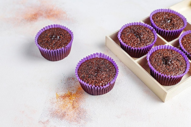 Mini chocoladesoufflé cupcakes
