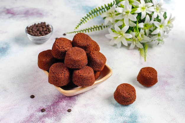 Mini chocoladetaartjes.