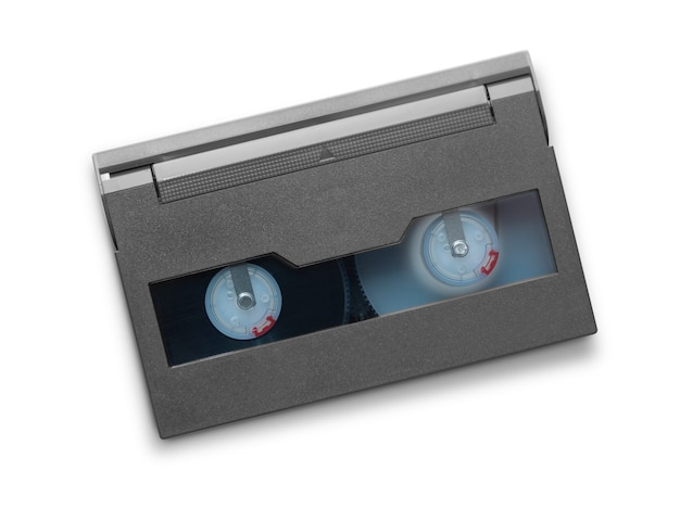 Mini dv-cassette geïsoleerd op witte achtergrond