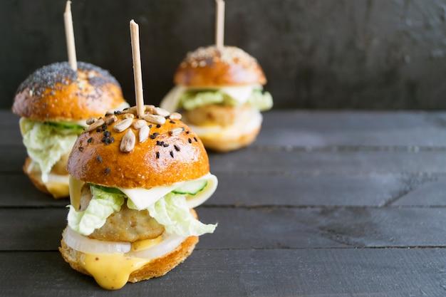 Miniburgers met kotelet.