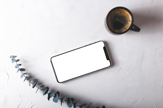Minimalisme stijl geïsoleerde smartphonescherm op grijs