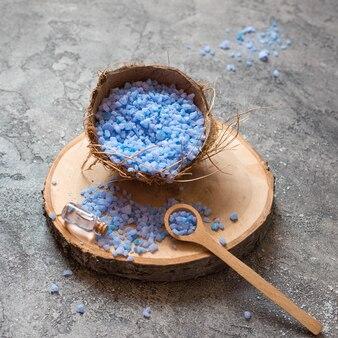 Minimalistische bad zout spa concept hoge weergave