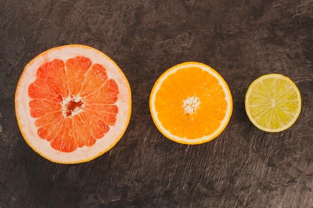 Minimalistische citrusvruchten compositio