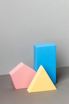 Minimalistische geometrische figuren met kopie ruimte