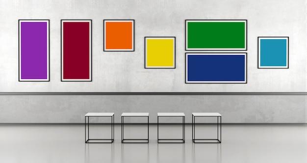 Minimalistische kunstgalerie met kleurrijke fotolijst