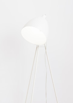 Minimalistische witte vloerlamp