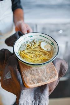 Miso ramen aziatische noedels met ei
