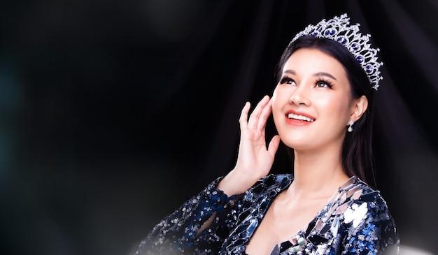Miss pageant wedstrijdjurk met diamanten kroon