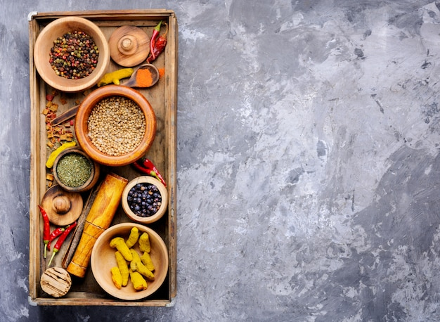 Mix indiase specerijen achtergrond