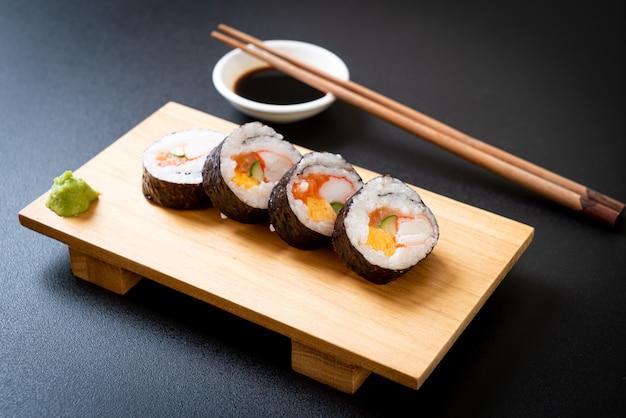 Mix sushi roll maki
