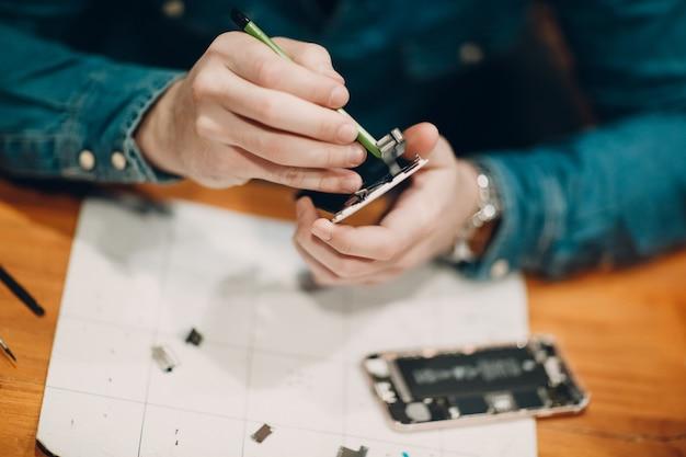 Mobiele telefoon repareren