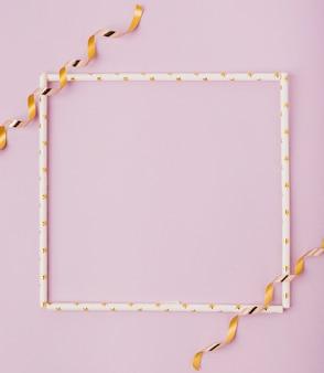 Mock-up frame en linten met kopie ruimte