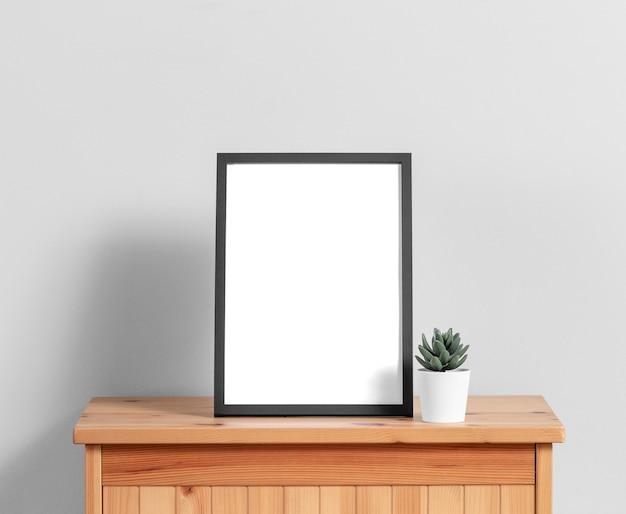 Mock-up frame op kast