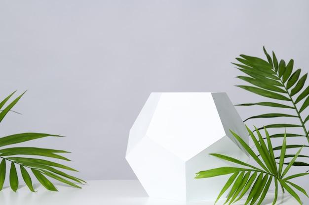 Mockup met geometrische standaard Premium Foto