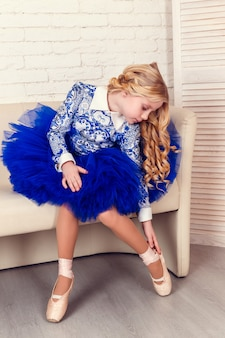 Mode interieur foto van mooi meisje
