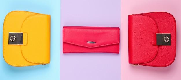 Mode minimalistisch concept. twee tassen, portemonnee. bovenaanzicht