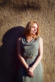 Mode portret van jonge aantrekkelijke vrouw