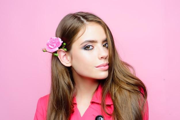 Mode portret van jonge vrouw