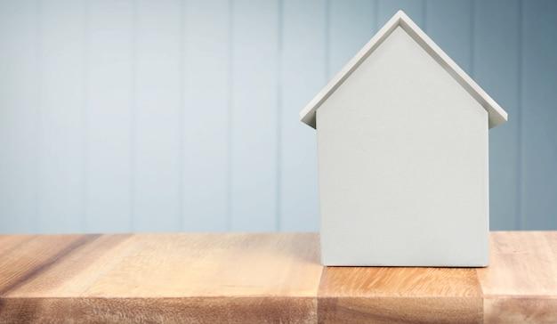 Model van een huis voor onroerend goed