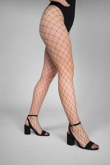 Modelbenen in pantykousen