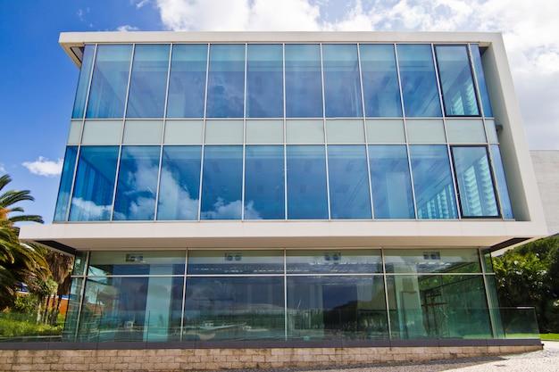 Modern gebouw van glas