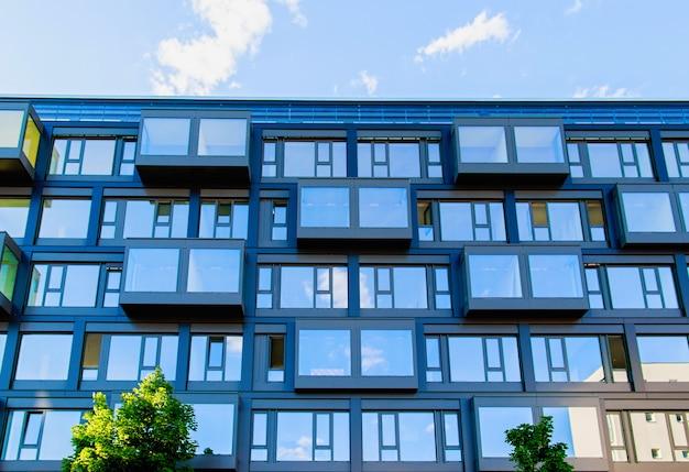 Modern huis in de stad in berlijn, duitsland
