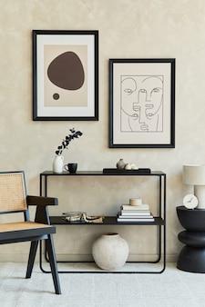Modern woonkamerinterieur met twee mock-up posterframes geometrische commode fauteuilsjabloon