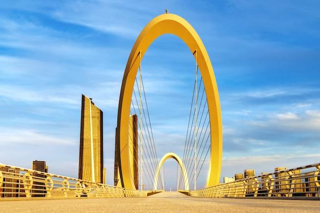 Moderne brug die in nanjing, china wordt gevestigd