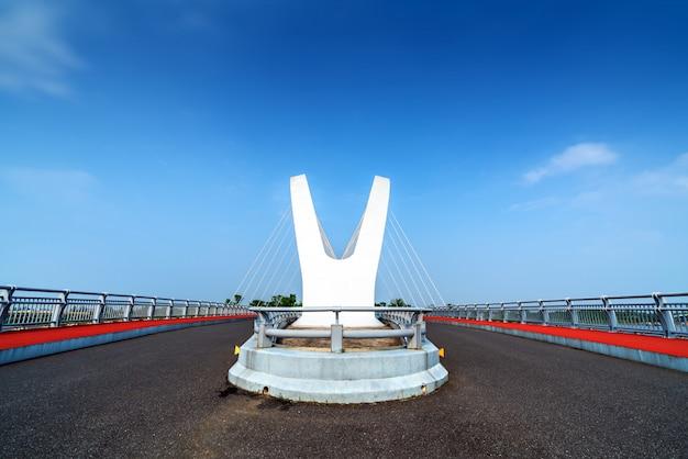 Moderne bruggen en rivieren