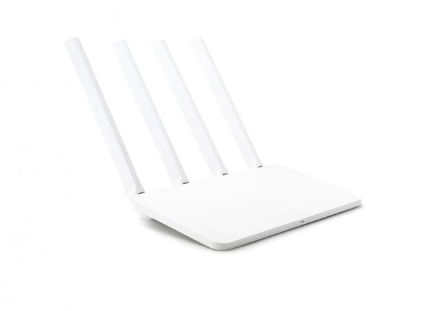Moderne draadloze die internet-router op witte achtergrond met het knippen van weg wordt geïsoleerd.
