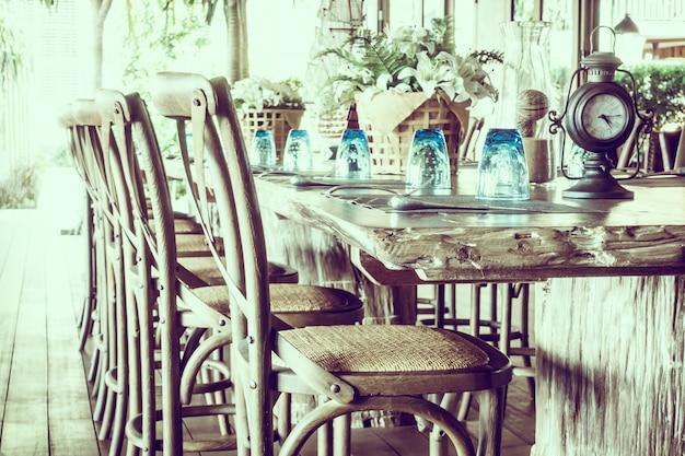 Moderne eet londen tafel leeg