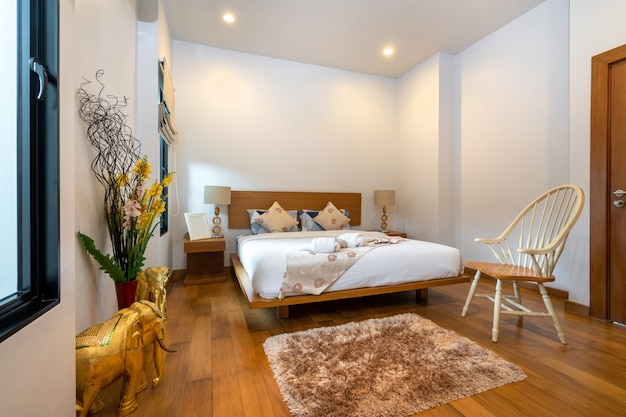 Moderne en ruime slaapkamer in luxe huis